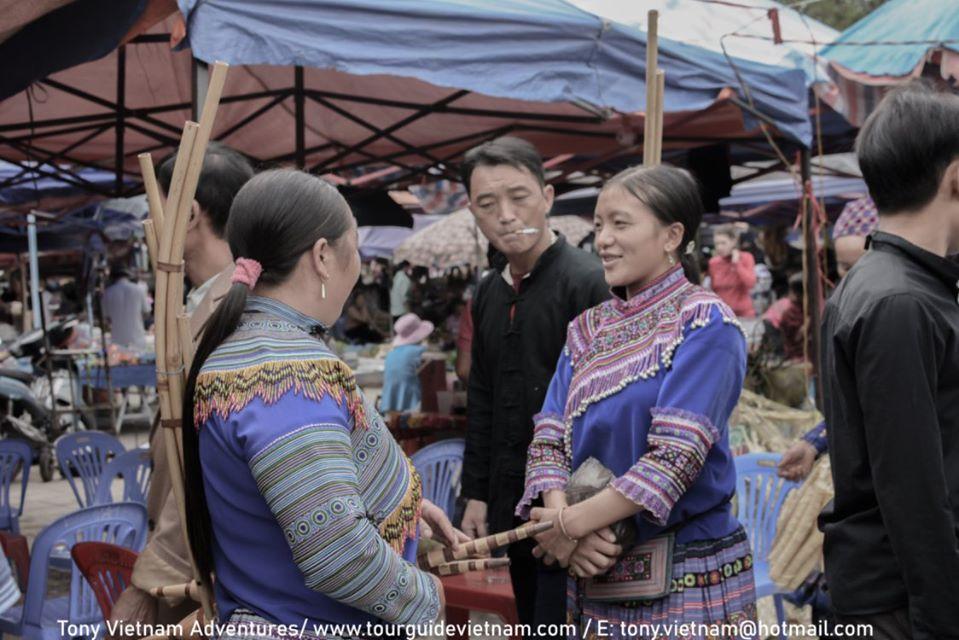 Bacha21 Bac Ha Market Guide on Sunday