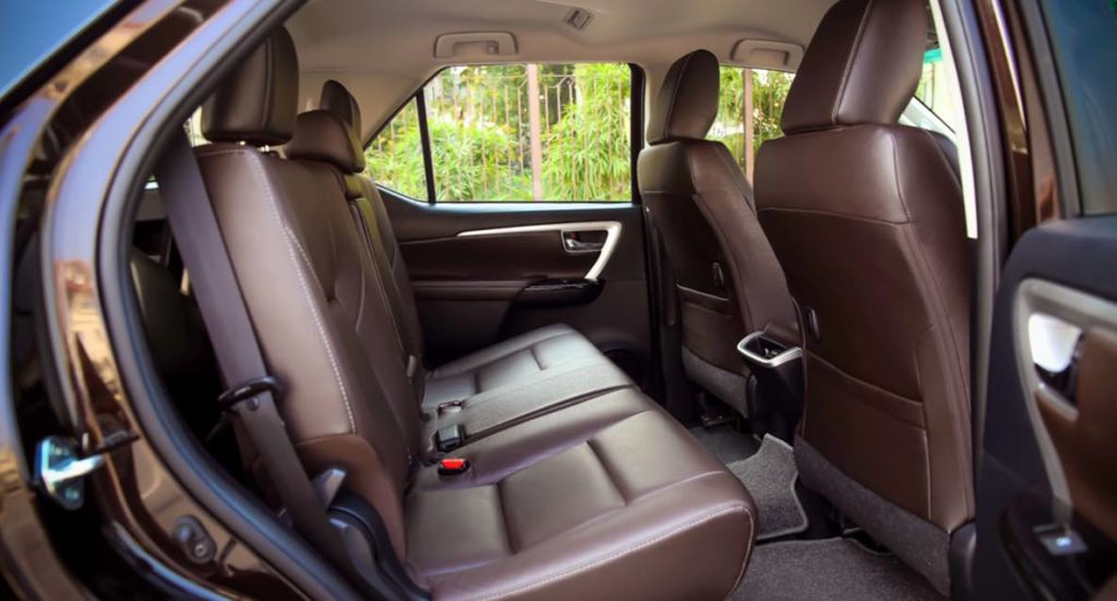 Noi that Toyota Fortuner 2017 1 1024x551 Rent A Car with Driver
