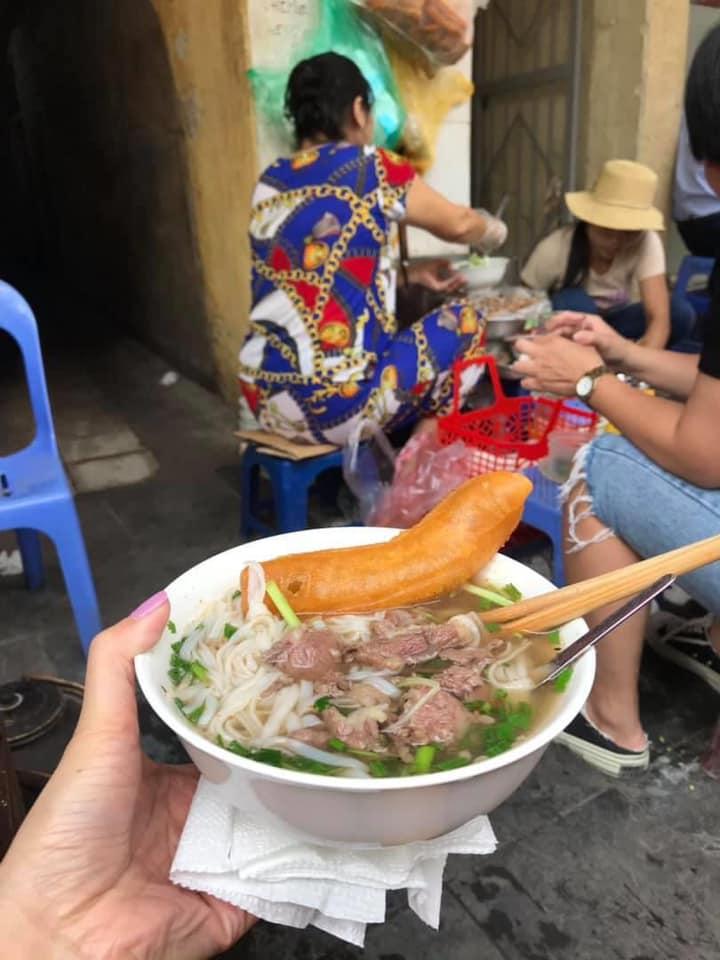 100597996 1873932562738392 7151315127038377984 n Hanoi walking tour Street Food