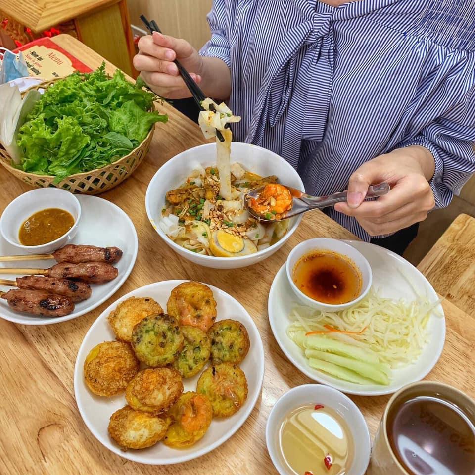 99296933 1873932262738422 7270790349730086912 n Hanoi walking tour Street Food
