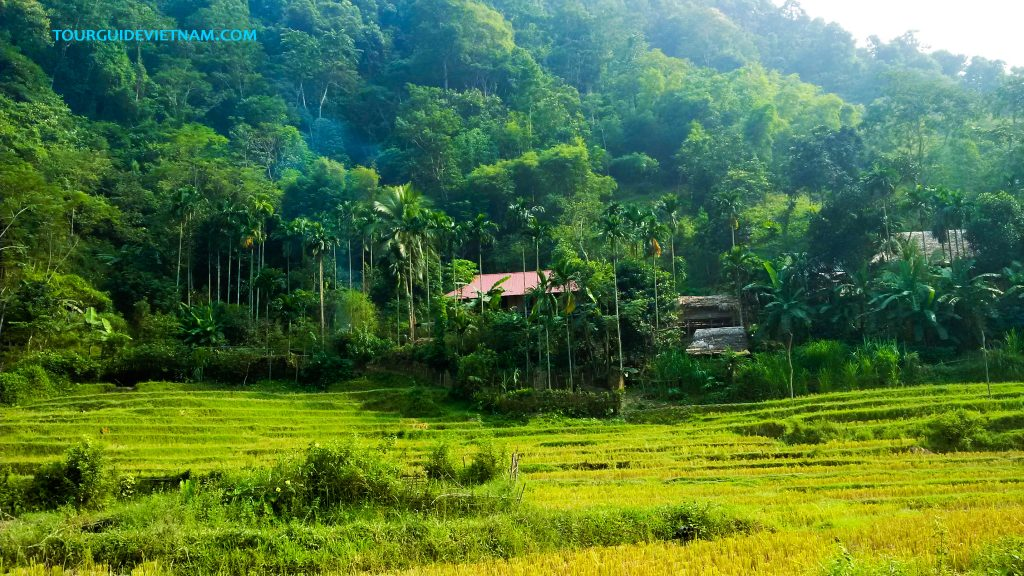 Mai chau tour 1 1024x576 5 day tour around North Vietnam Off the beaten track