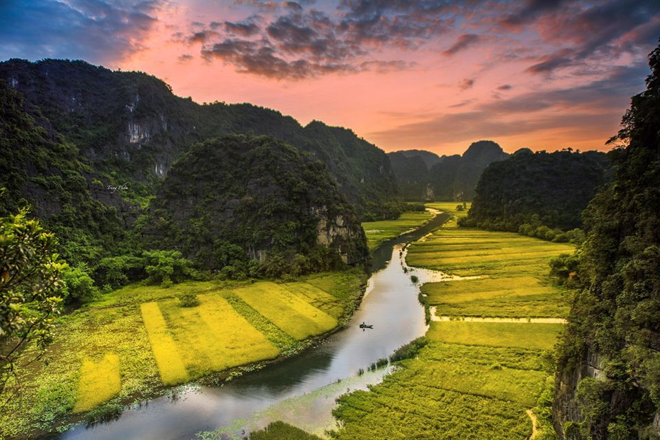 Tam coc Vietnam road trip by car from Hanoi to Ho Chi Minh